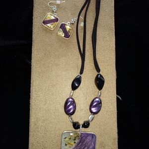Glass necklace and earring set